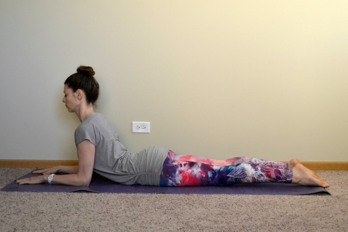 Yoga poses for the shoulders and neck: Sphinx pose