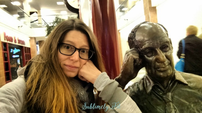 I'm not the only one who stops for selfies with statues, right? Had to get a photo with this statue in the airport.