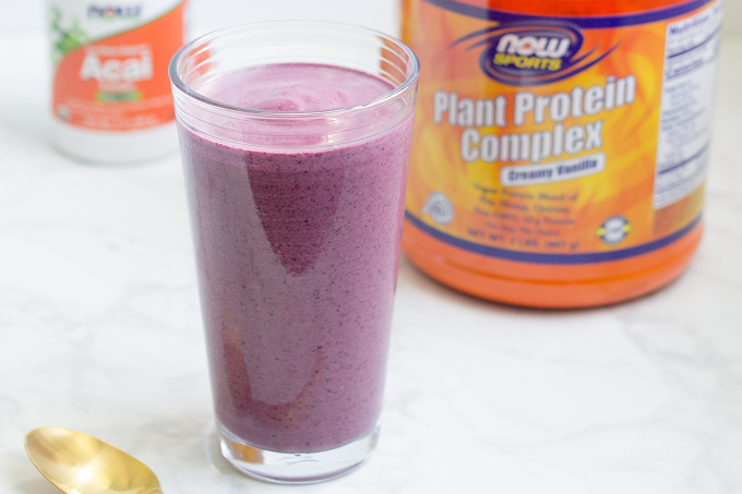 Low-Carb Smoothie with Super Fruits - It's the perfect antioxidant-rich smoothie to help you get in some much-needed nutrients without a ton of carbs.