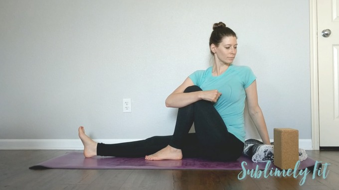 Quick Seated Hip-Opening Yoga Sequence for Runners #yogaforrunners #yogaforathletes